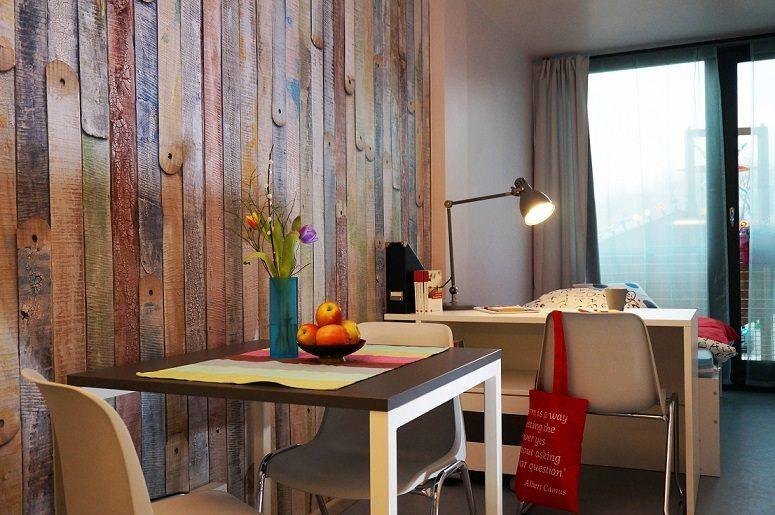 eba51 kreatives containerdorf f r berliner studenten. Black Bedroom Furniture Sets. Home Design Ideas