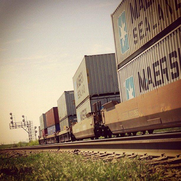Containertransport im Hinterland mit der Bahn
