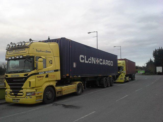 container transport per achse mit dem LKW