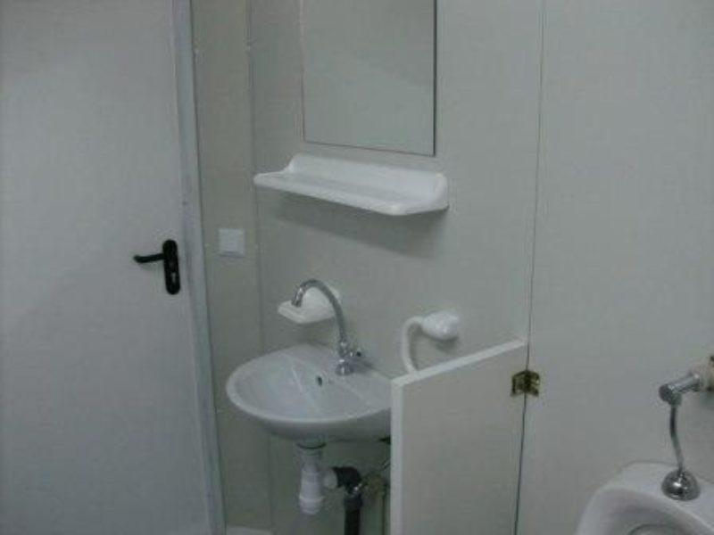 sanit rcontainer mit dusch wc bereich. Black Bedroom Furniture Sets. Home Design Ideas